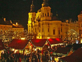 Političko uređenje. Češka je parlamentarna republika s višestranačkim susta-.