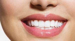 Hollywoodski osmijeh! Poklonite si nov osmijeh uz 1 keramičku ljuskicu u prekrasnom ambijentu i stručnim rukama u ordinaciji Dental Centar Grzela po senzacionalnoj cijeni od 1749 kn!