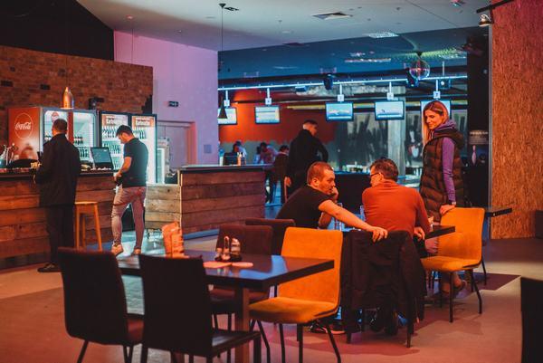 Brza druženja u cafe de paris