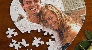 Neka TvojPoklon razveseli vašu dragu osobu fotografijom kao puzzle u obliku srca!