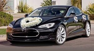 WEDDING RENT-A-TESLA! Najam Tesla vozila sa vozačem u trajanju 4h za savršeno i bezbrižno vjenčanje!