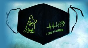 Bezbrižno i sigurno, a moderno uz personalizirane dvoslojne pamučne maske iz Minnie's Gift Shopa! Paket od 3x PERSONALIZIRANE MASKE za LICE sa tiskom po želji i izborom boja za samo 55 kn!