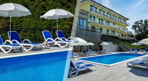 [NOVO] Lagodni LJETNI odmor u božanstvenoj Villa Rezidence u Ičićima! 3, 5 ili 7 noćenja u apartmanima za 2 odrasle osobe i 2 djece do 15 g. + korištenje bazena, već od SAMO 1299 kn!!!