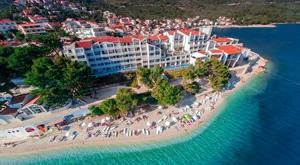 Počastite se veličanstvenim odmorom u RUJNU na 3 dana/ 2 noćenja s ALL INCLUSIVE uslugom u TUI BLUE Makarska uz wellness, bocu vina, fitness, animaciju… sve za 2 osobe i samo 2799 kn!
