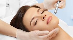 NOVO! Počastite lice nakon ljeta tretmanom u Beauty Studiu Amelie Split! Dubinsko čišćenje i hidratacija: dijamanta mikrodermoabrazija + RF + LED maska + hijaluron, masaža… uz 60% POPUSTA!