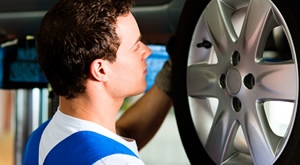 Promjena temperatura znači ujedno i promjenu guma te sigurnost u prometu! Demontaža, montaža, balansiranje na čelične felge za sve 4 automobilske gume do 16 cola za samo 139 kn!