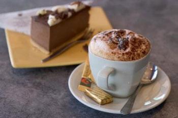Image result for kava i kolač